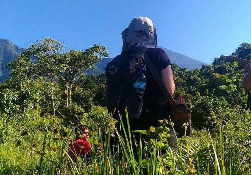 Trek to Crater rim Tetebatu